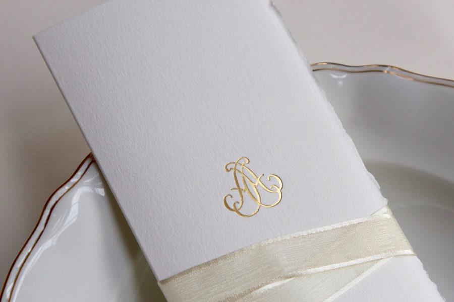 Faire-part de mariage et menu Monogramme gravé en Or sur papier Vélin d'Arche imprimé par Intaglio
