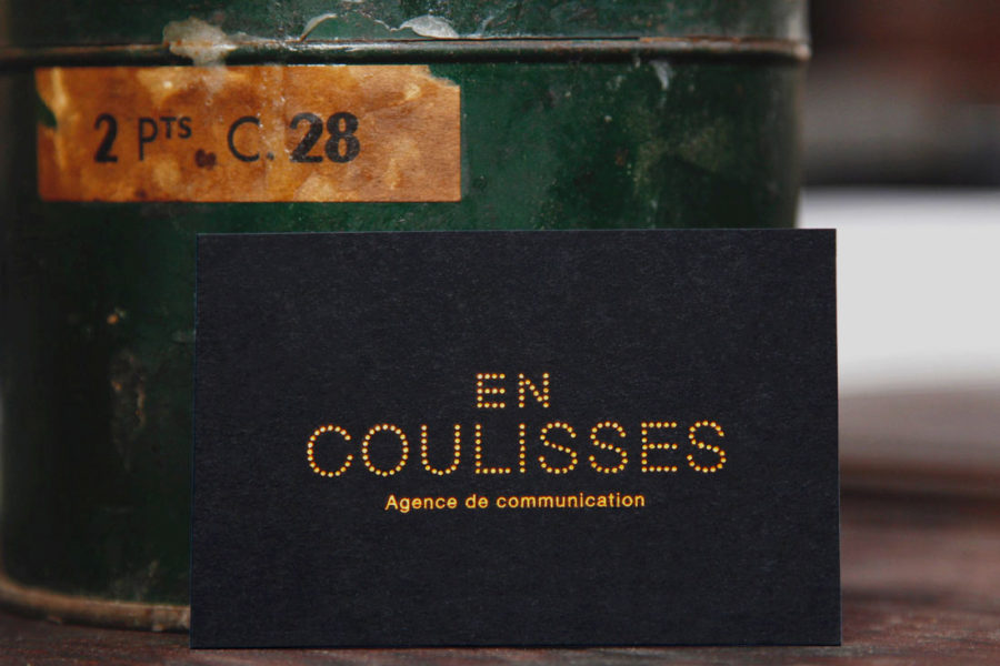 Carte de visite Noire imprimée gravure cuivre par imprimerie Intaglio Paris pour En coulisses Agence de communication