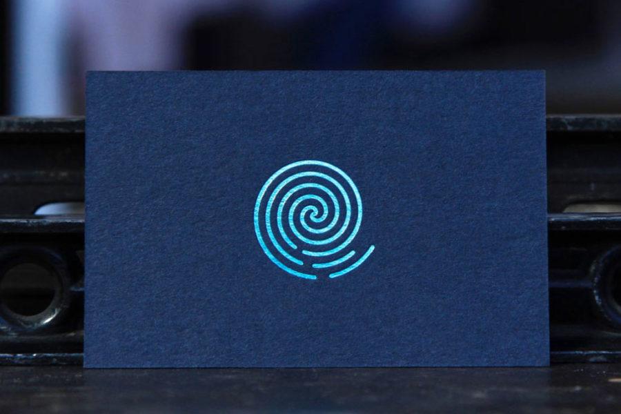 Intaglio imprimerie Carte de visite imprimée dorure vert métallique carte bleu marine