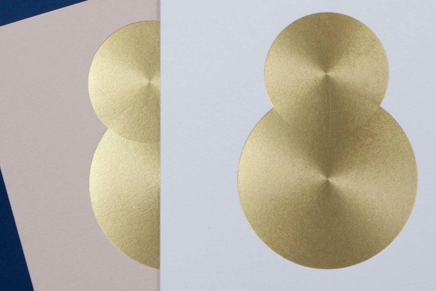 Carte voeux 2018 Collection Intaglio Paris, référence Hélios en micro gravure or sur carte biscuit et blanc
