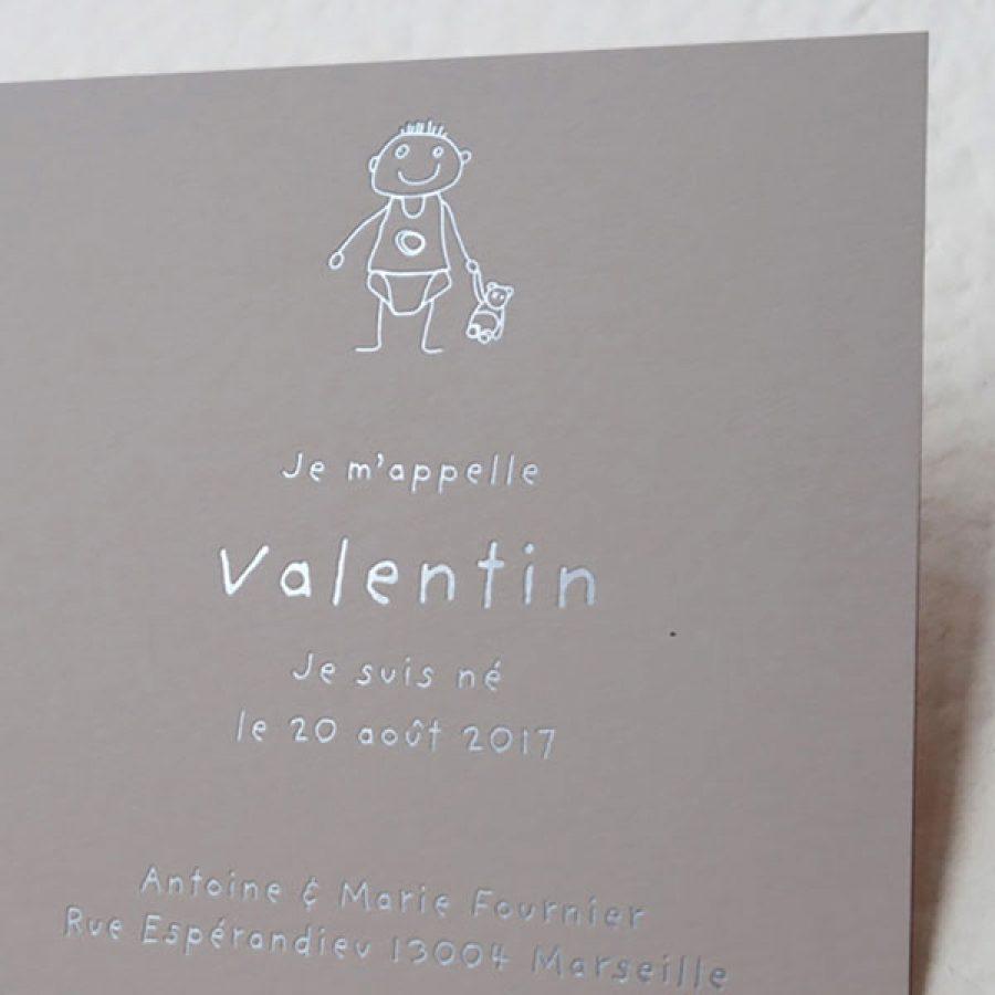 Faire-part de naissance collection Cosimo en dorure argent sur carte de couleur Biscuit par Intaglio-Paris