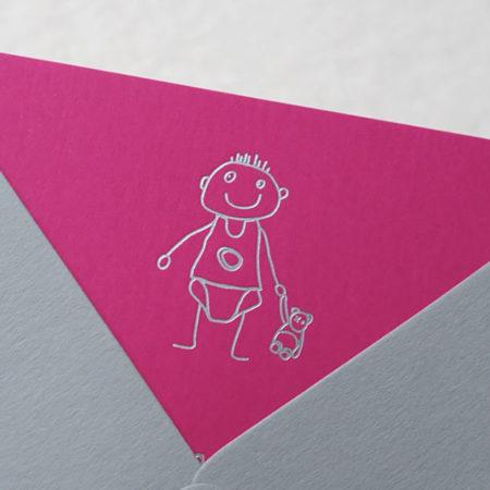 Faire-part de naissance collection Cosimo en dorure argent sur carte de couleur Pink par Intaglio-Paris