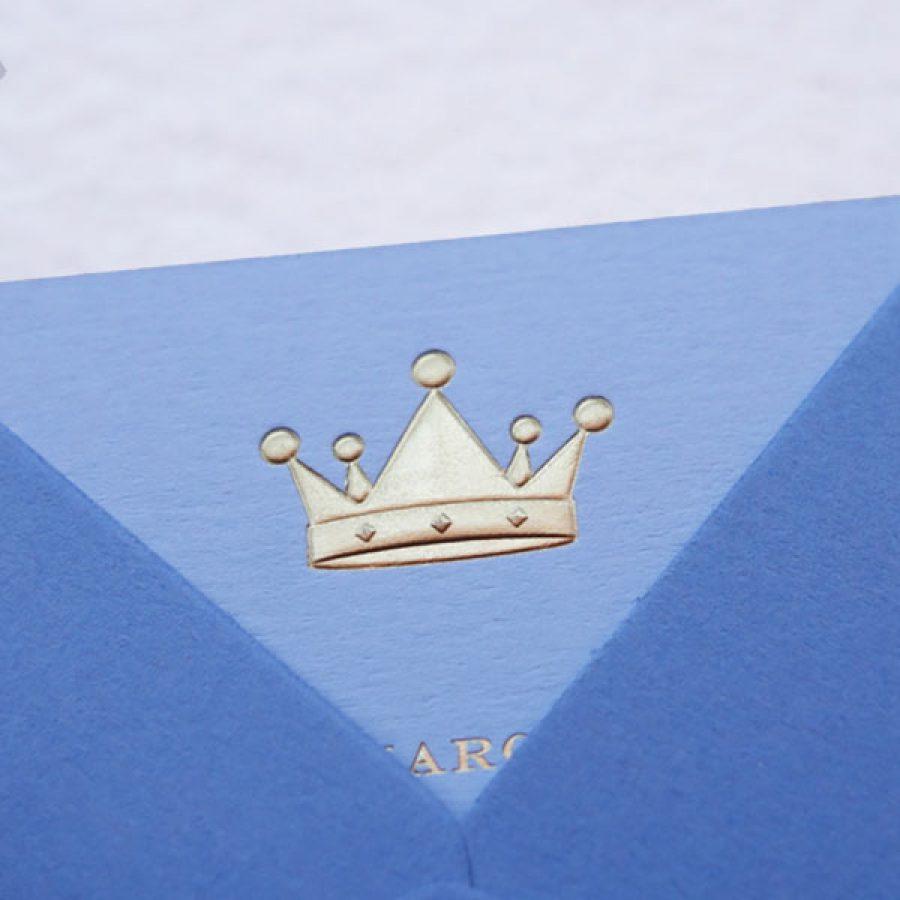 Faire-part de naissance collection médaillon couronne en dorure Or sur carte de couleur Azur par Intaglio-Paris
