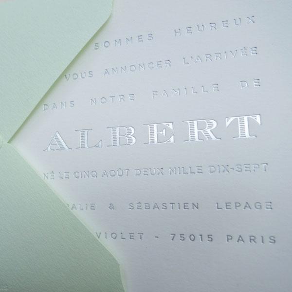 Faire-part de naissance collection Légende en dorure argent sur carte de couleur Blanc par Intaglio-Paris
