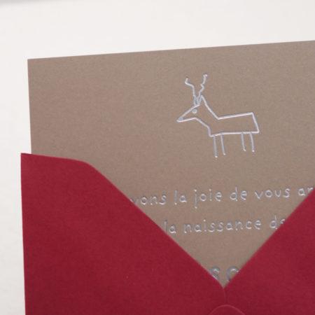 Faire-part de naissance collection Toys Cerf en dorure argent sur carte de couleur Noce par Intaglio-Paris