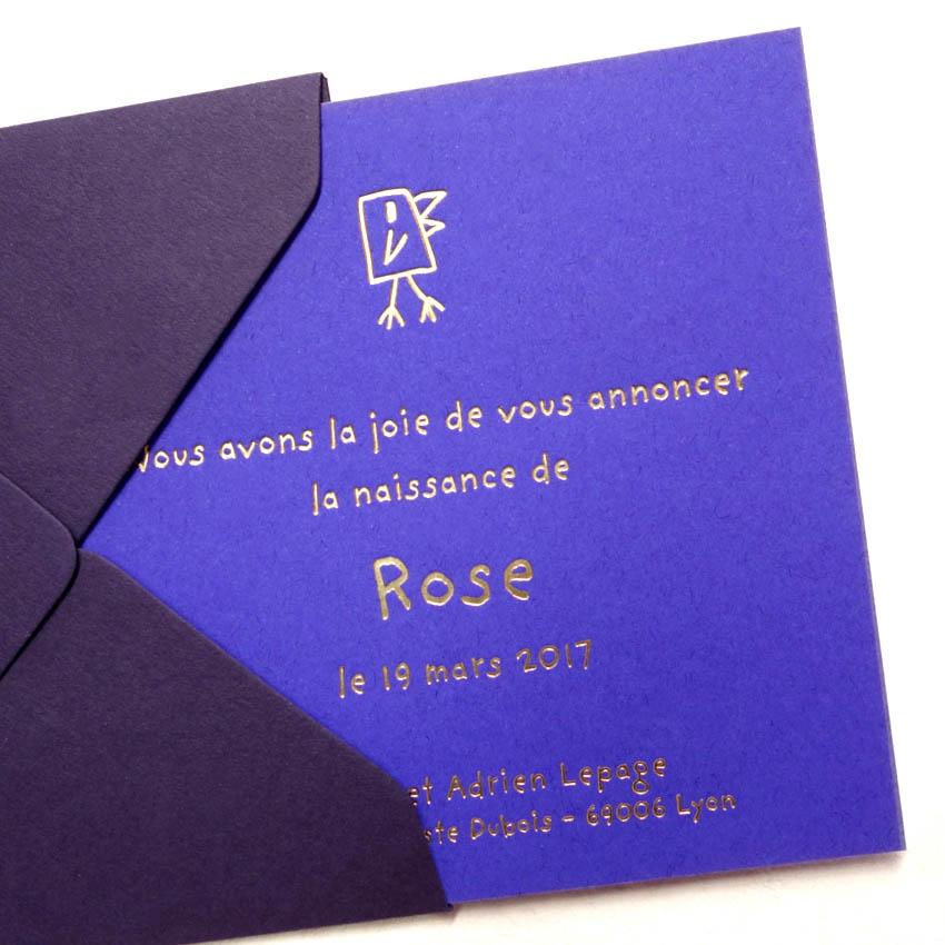 Faire-part de naissance collection Toys Pooussin en dorure or sur carte de couleur Iris par Intaglio-Paris