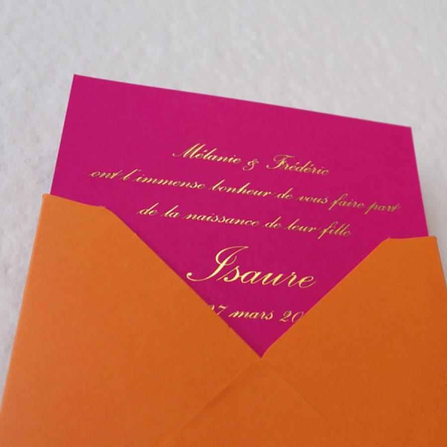 Faire-part de naissance collection Tradition Anglaise en dorure or sur carte de couleur Pink par Intaglio-Paris
